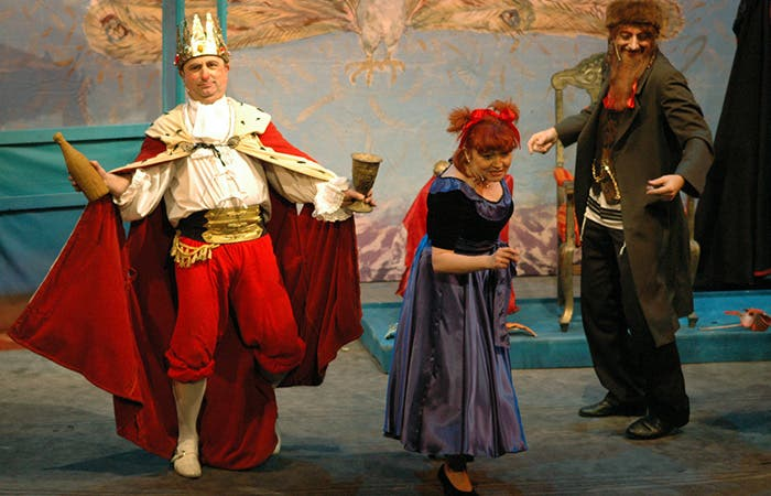 Representación de una obra teatral de Purim, en Polonia