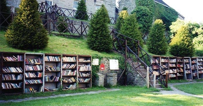 Biblioteca al aire libre