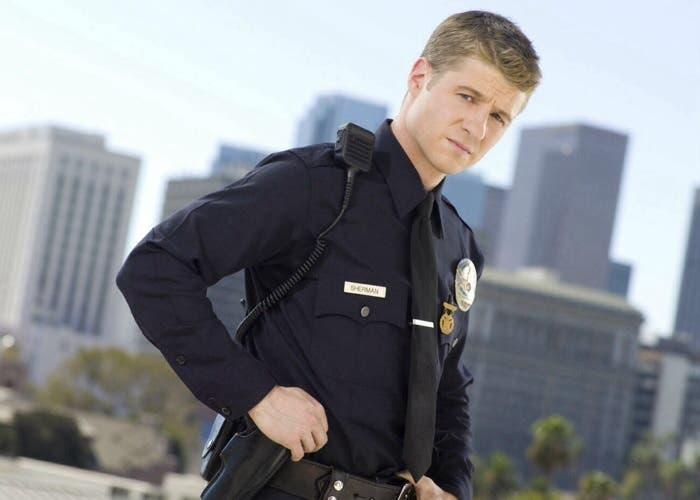 Ben McKenzie será el detective James Gordon