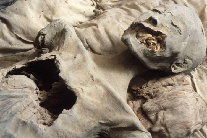 Imagen de la momia de Jintakus III