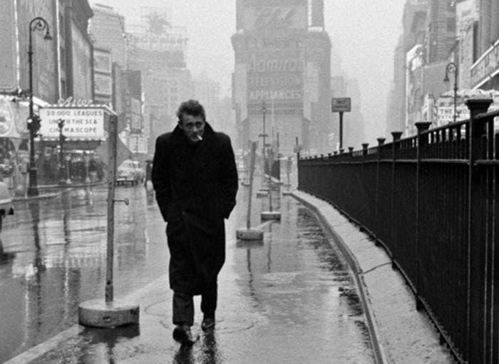 Fotografía de James Dean en Nueva York tomada por Stock