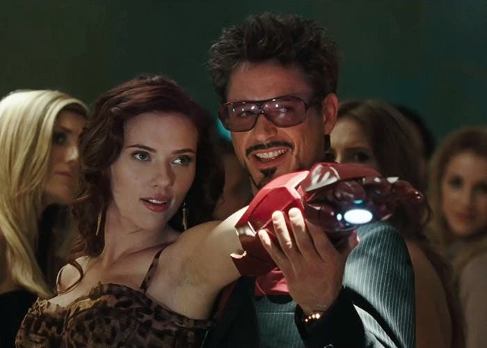 Scarlett Johansson y el actor mejor pagado, Robert Downey Jr.